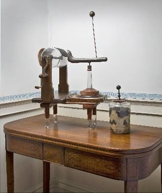 Réplica de la máquina eléctrica de John Wesley, actualmente en el Museo del Metodismo en Wesley's Chapel, Londres.